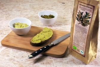 Mit arve™ Bio Olivenblättertee hergestellte Kräuterbutter