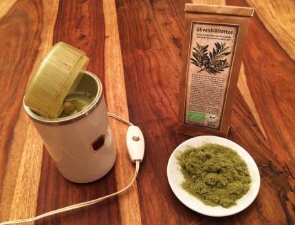 Olivenblätter praktisch, schnell und immer frisch mit einer Kaffeemühle gemahlen