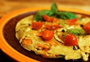 Herzhafte Aromen und die gesundheitsfördernden Heilkräfte von Olivenblättern garantieren ein mediterranes Geschmackserlebnis abseits des Mainstreams - Veggie Pancake mit Olivenblättern.