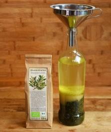 Die wichtigste Zutat für diesen Likör ist der Bio-Olivenblättertee von arve™